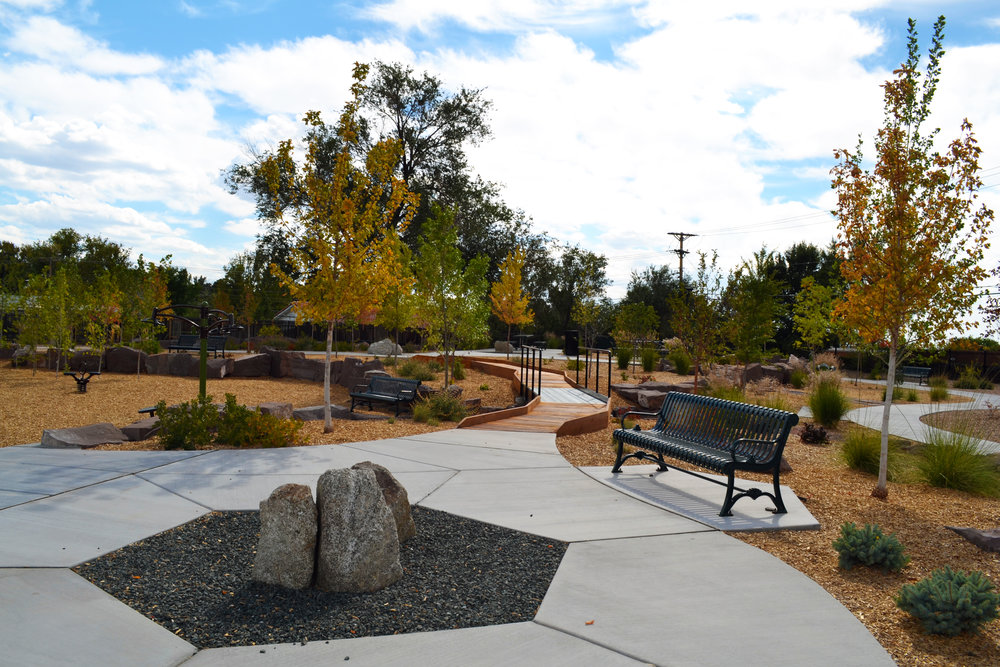4 Four Hills Village Park, Albuquerque NM -  seating plaza
