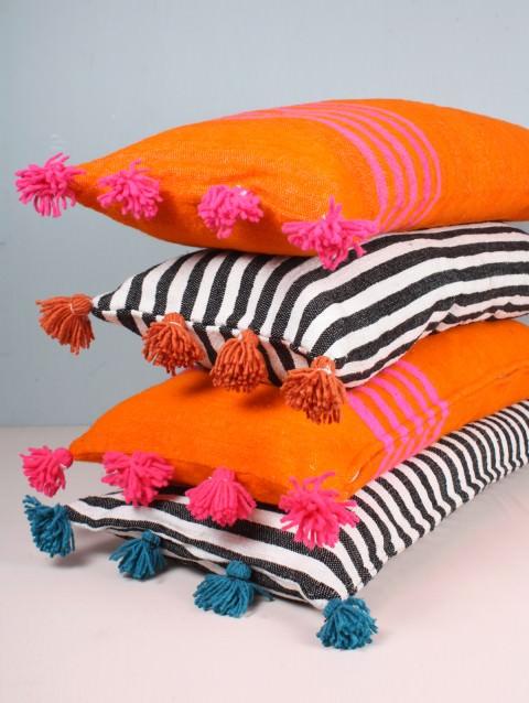 bohemia-tassel-cushions-2_1_1.jpg