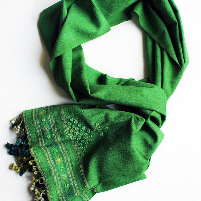 green kutch stole.jpg