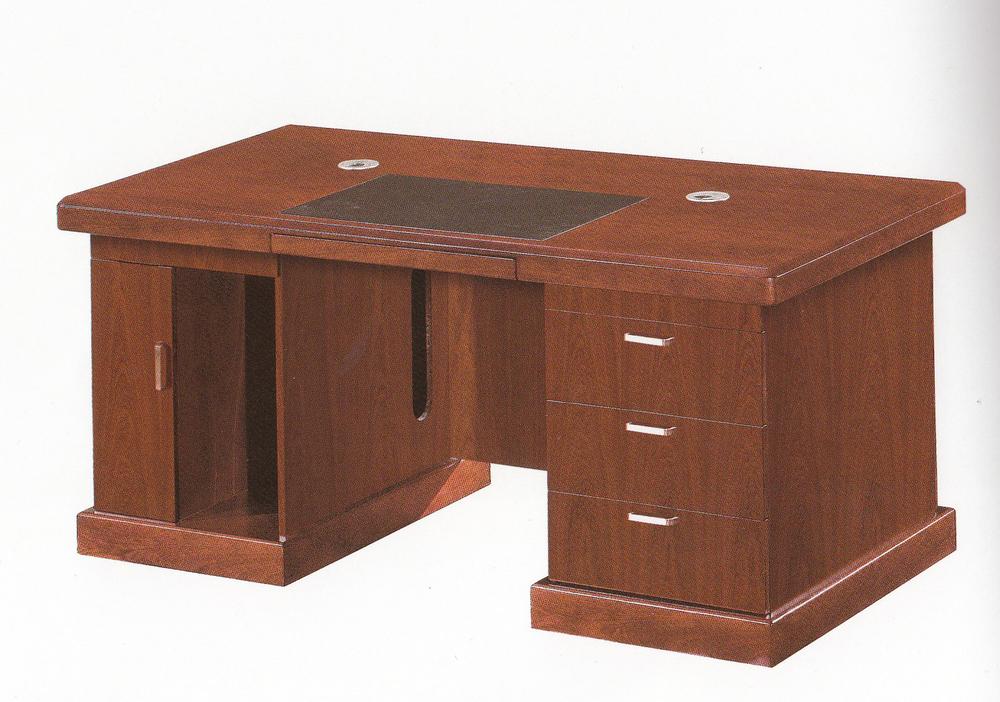 escritorio pequeño 2.jpg