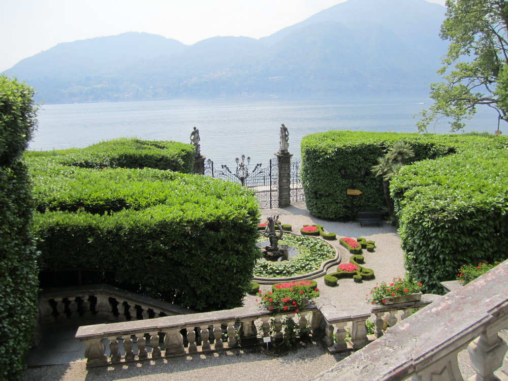 Lake Como <strong>Visit the lakeside gardens and villas then boat to a private island in the Lake for a festive dinner with an extraordinary ending.</strong>