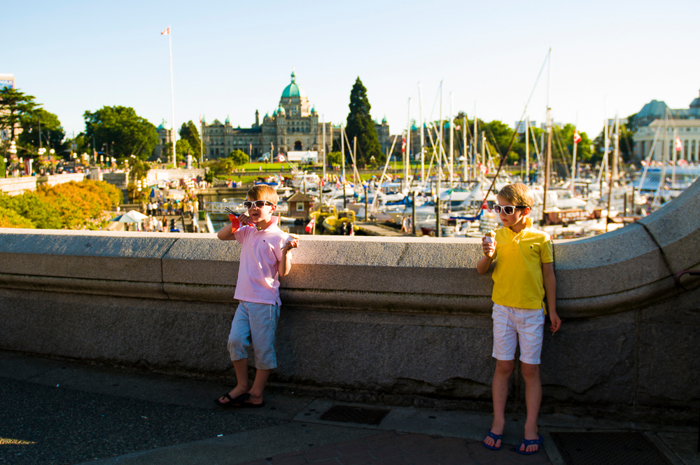 Flytographer vacation photographer in Victoria - Shari