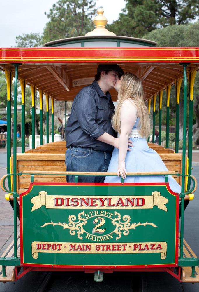Surprise proposal in Disneyland | Vacation photographer in Disneyland