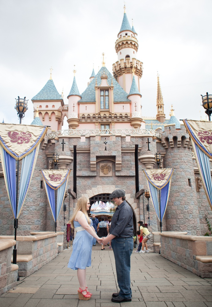 proposal photographer in Disneyland