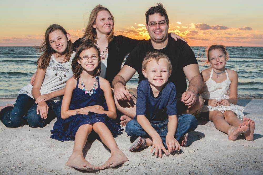 Flytographer Vacation Photographer in Orlando - Grasi & Dani
