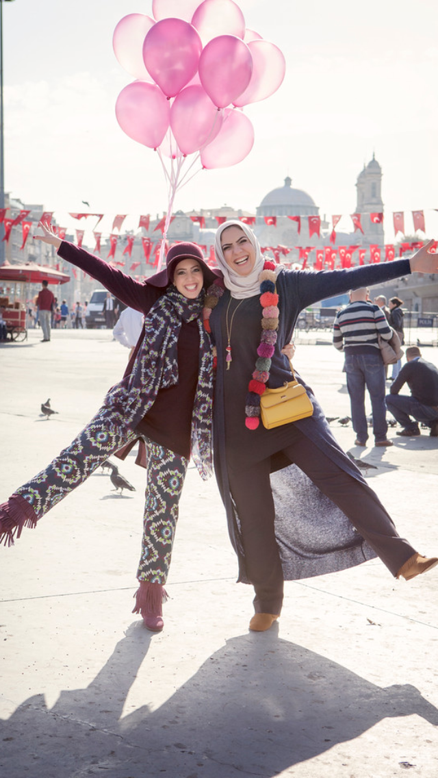 Flytographer Vacation Photographer in Istanbul - Ceren