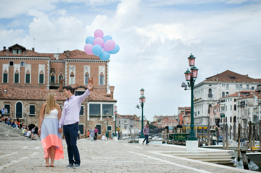 flytographer-babymoon-couple-venice