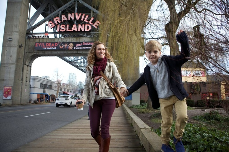 flytographer-family-vancouver-granville-island