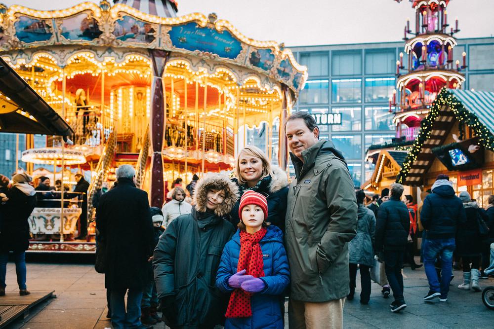 flytographer-berlin-family-carousel