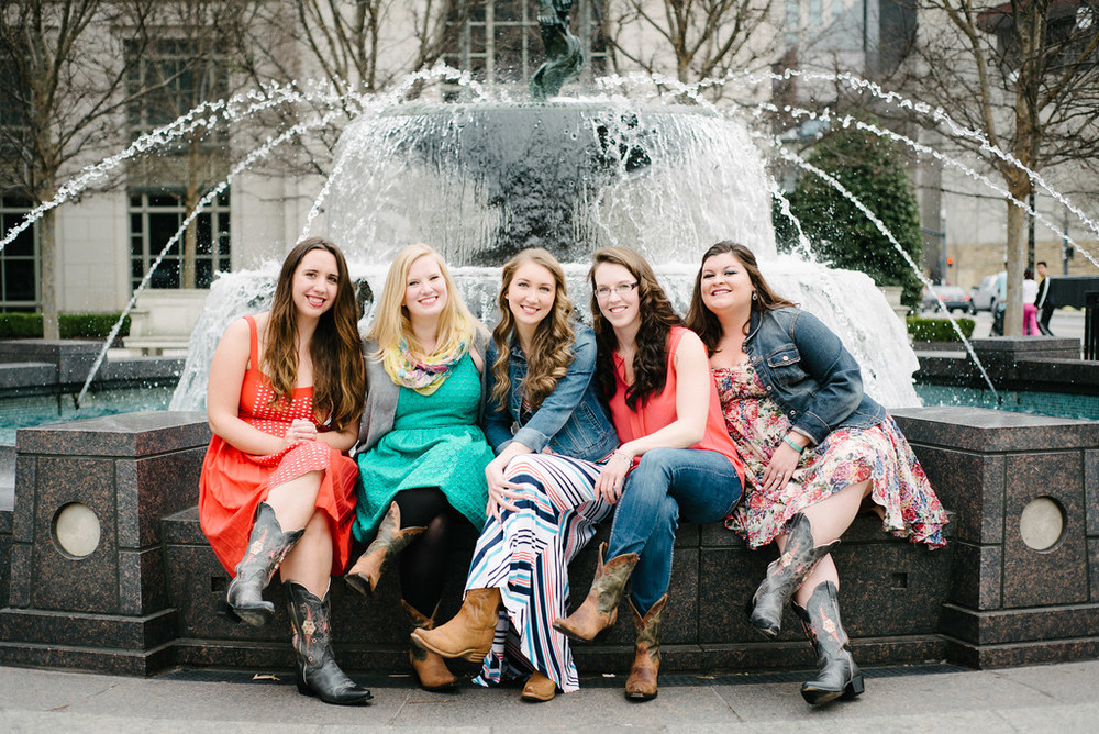flytographer-bachelorette-girlfriends-nashville
