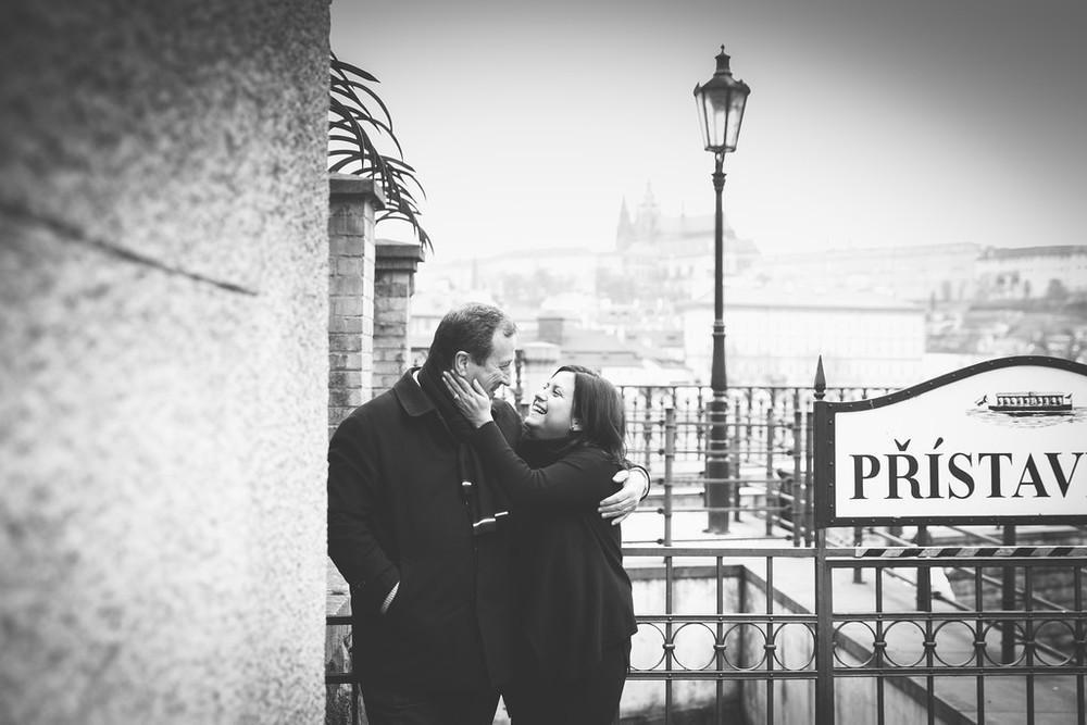 flytographer-prague-couple-love-romantic