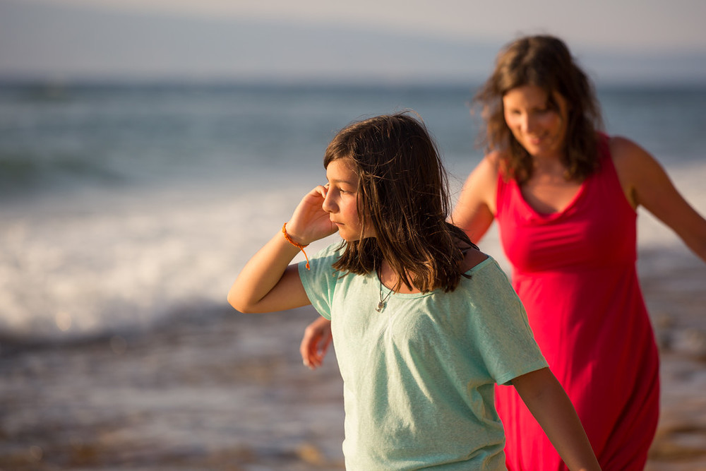 flytographer-mother-daughter-girls trip-beach