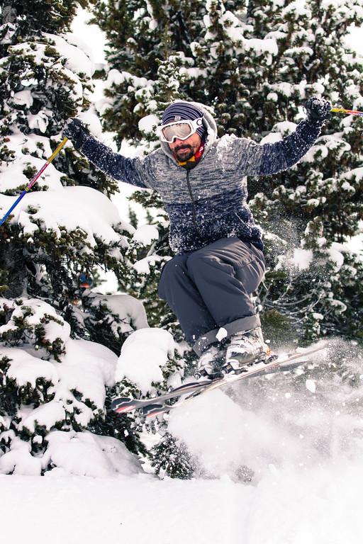 flytographer-whistler-family-skiing