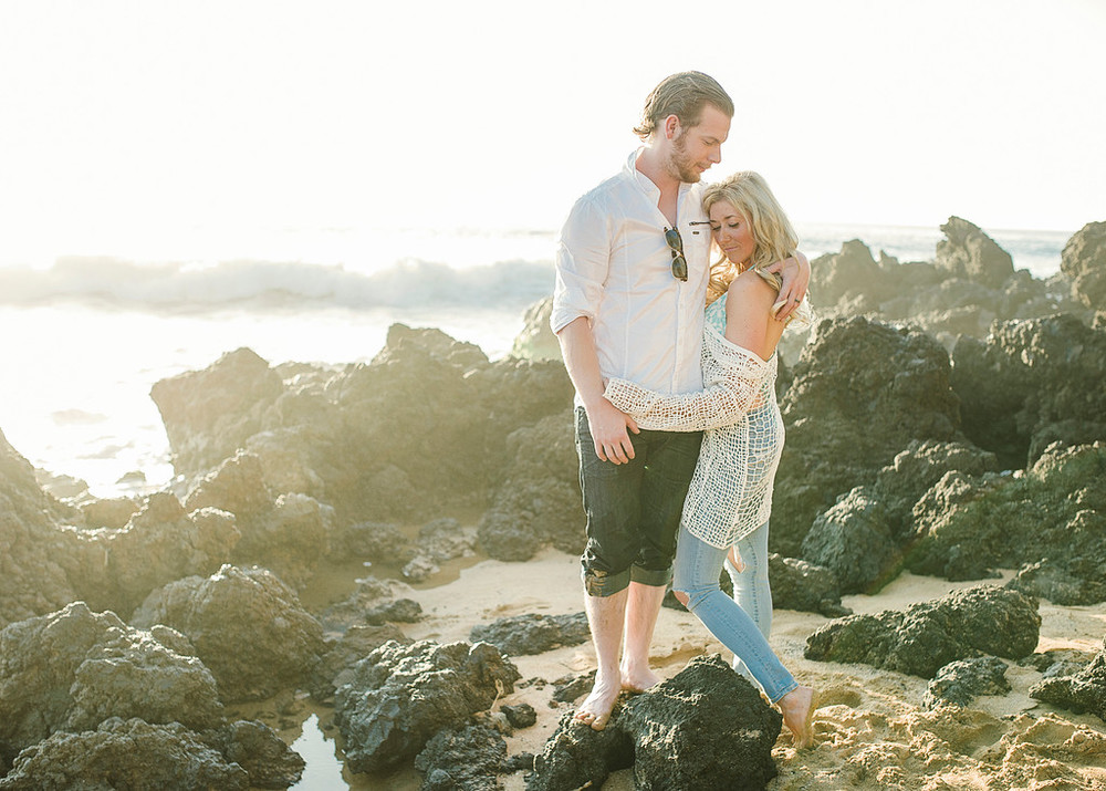 flytographer-honeymoon-love-couple-maui-hawaii