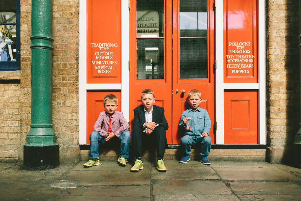 flytographer-london-family-boys-toys
