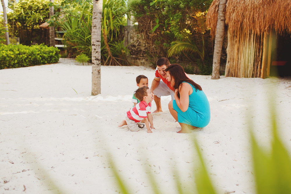 flytographer-family-kids-cancun-mexico
