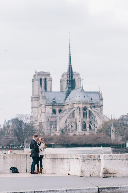 flytographer-proposal-couple-love-paris-france
