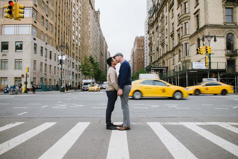 Jeff & Rem capture their Honeymoon souvenir in NYC