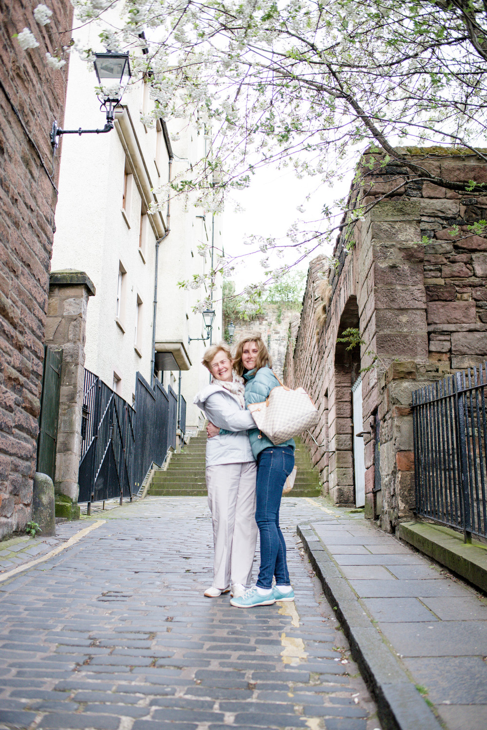 flytographer-mother daughter trip-birthday-edinburgh-scotland