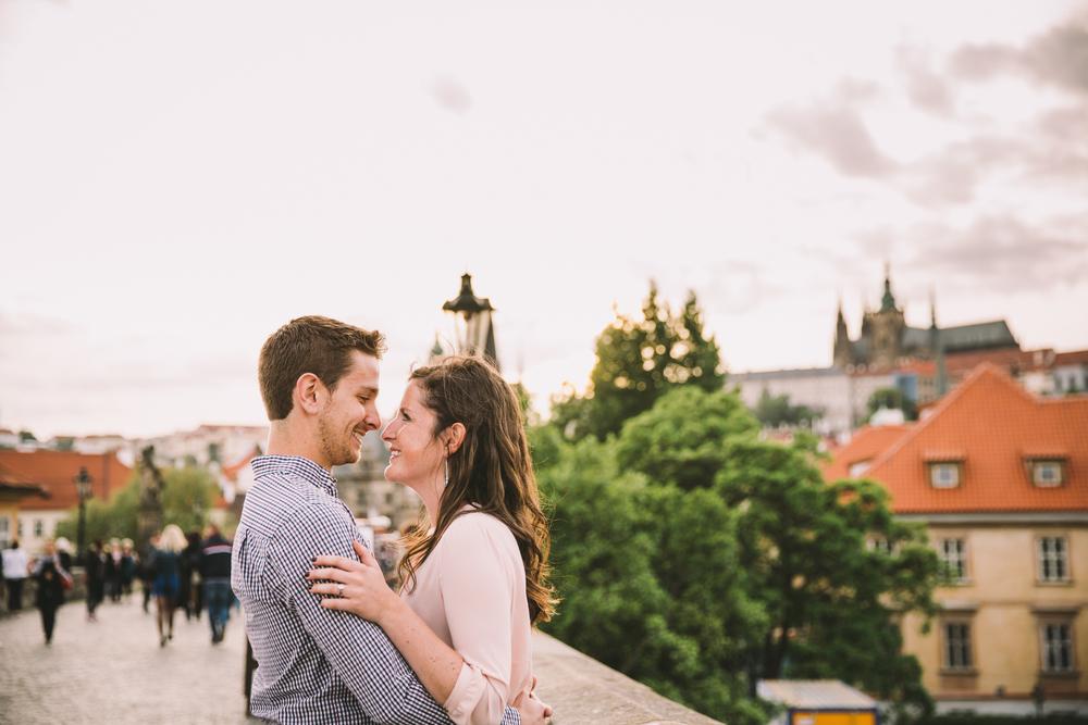 flytographer-proposal-couples-love-prague-charles bridge