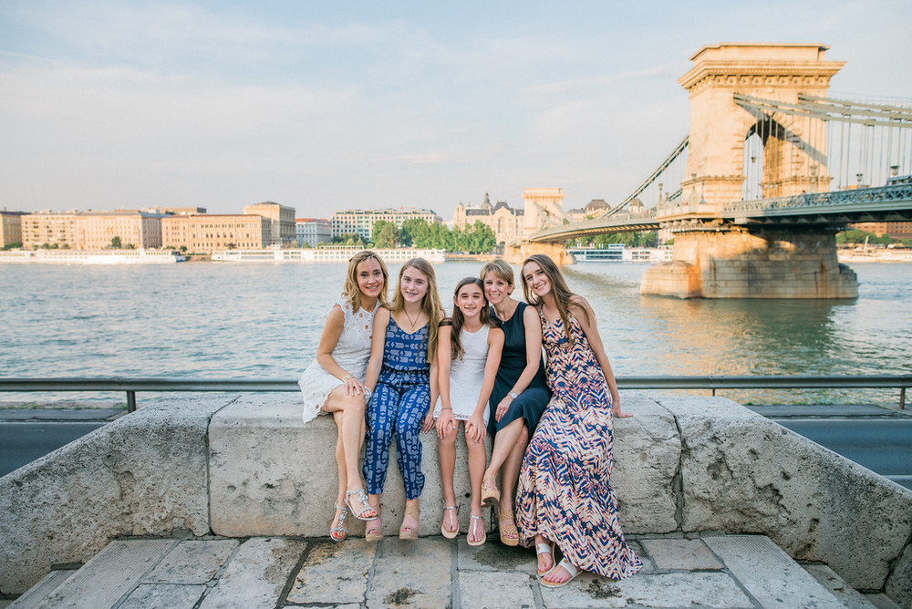 Flytographer Vacation Photographer in Budapest - Roky