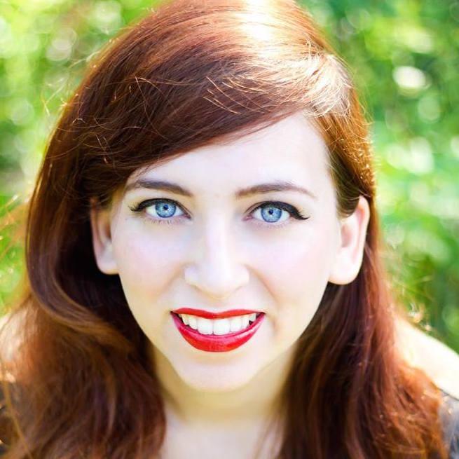 Your Vacation Photographer in Savannah: Meet Megan