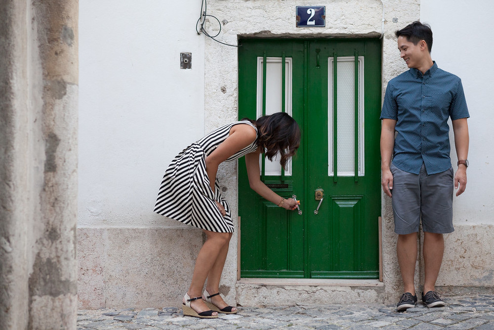 couple adventure in Lisbon