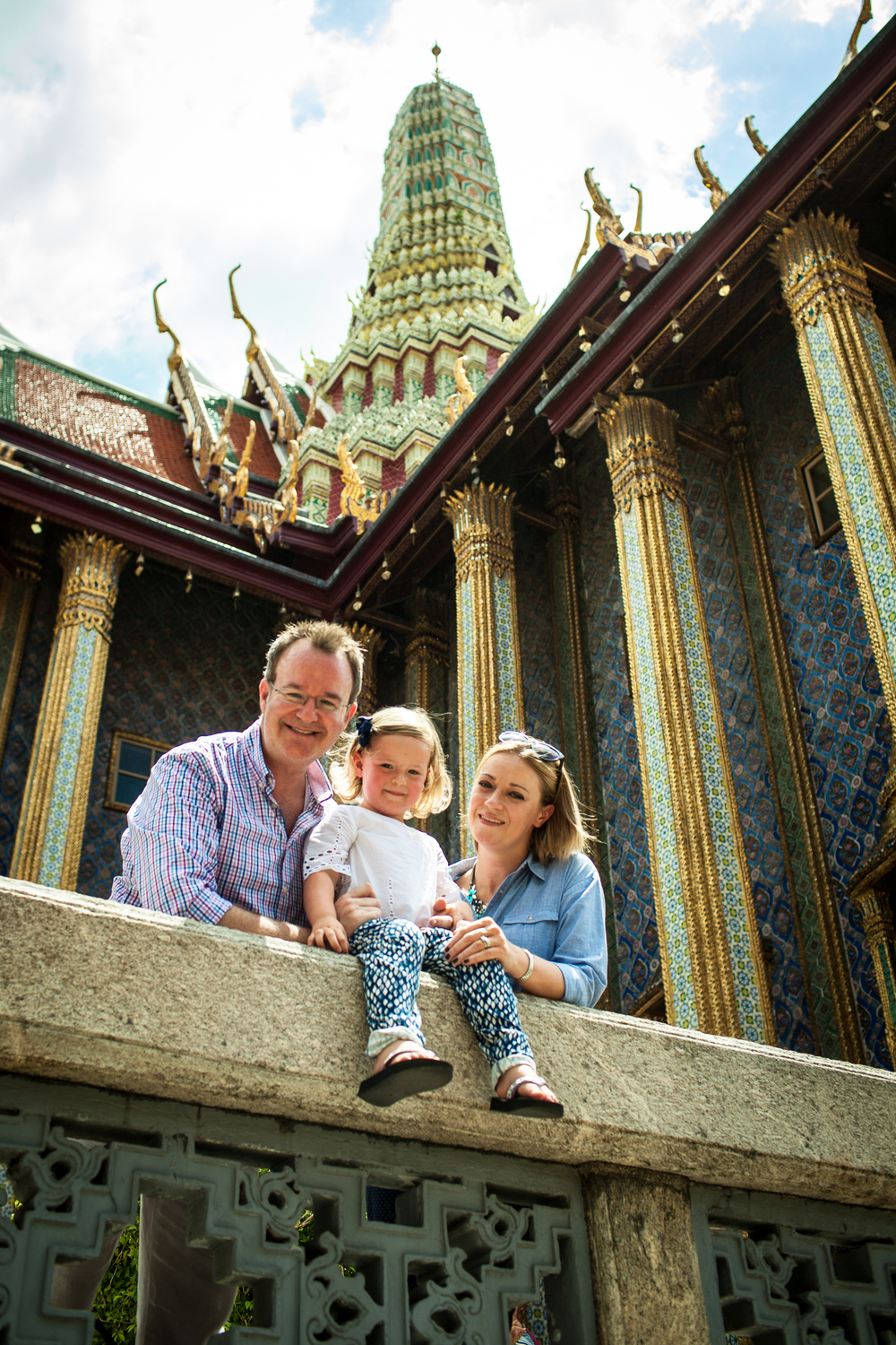 Family travelling to Bangkok