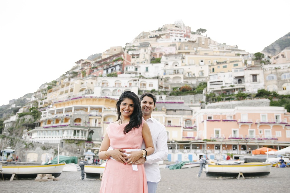 couple celebrating anniversary in Positano