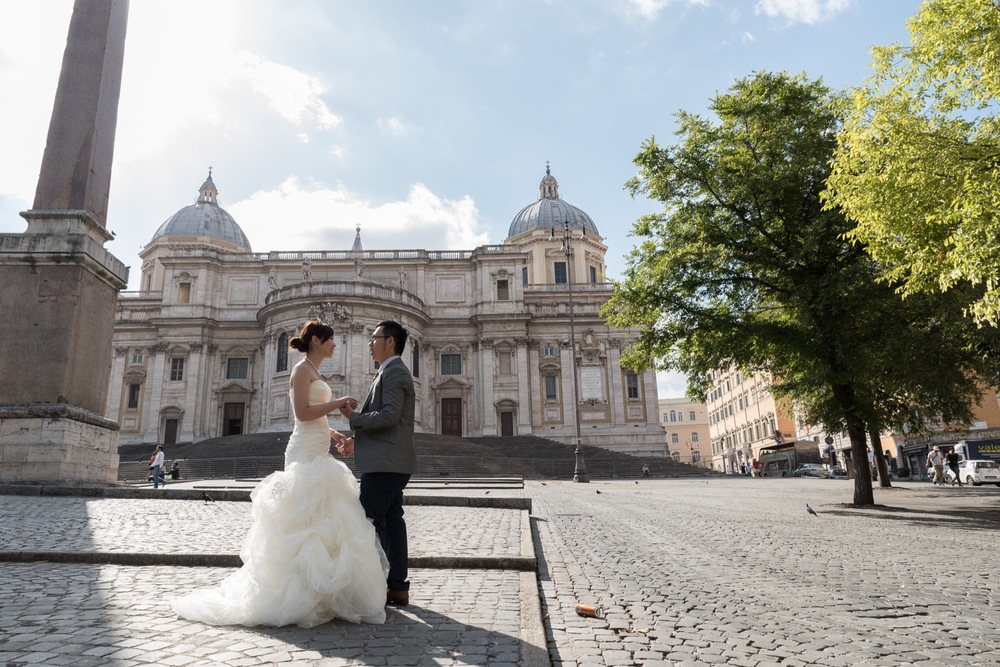 pre-wedding photography in Rome flytographer