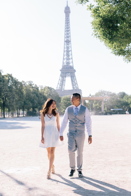 engagement session in Paris eiffel tower louvre Flytographer