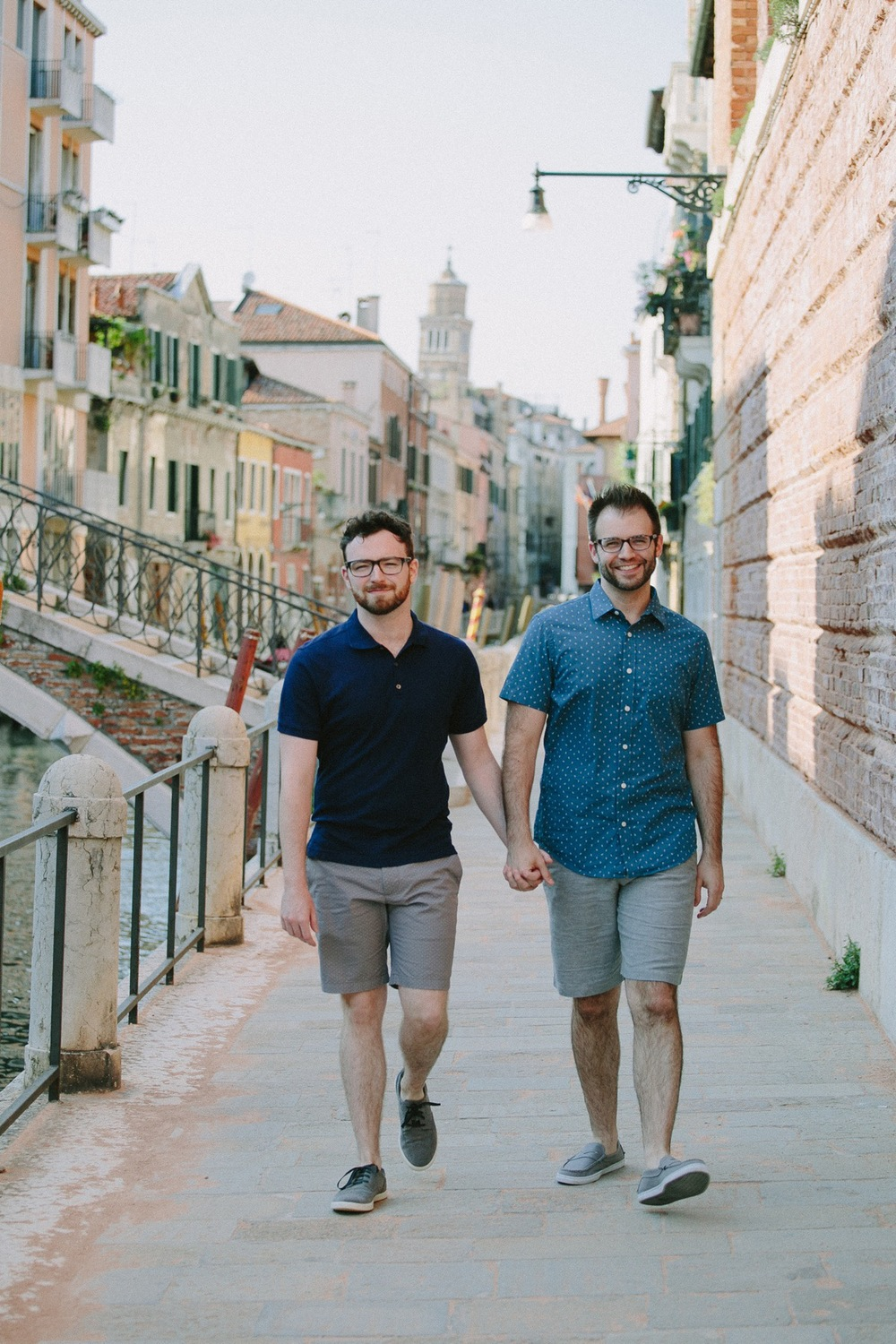 Backpacking Honeymoon through Venice, Italy Photographer: Marta Buso for Flytographer  Click the image to read the full story!