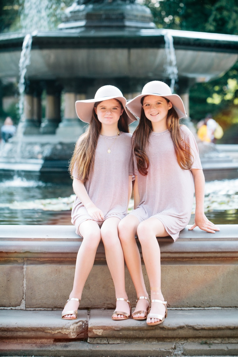 Twin Photo Shoot in NYC | New York City Vacation Photographer