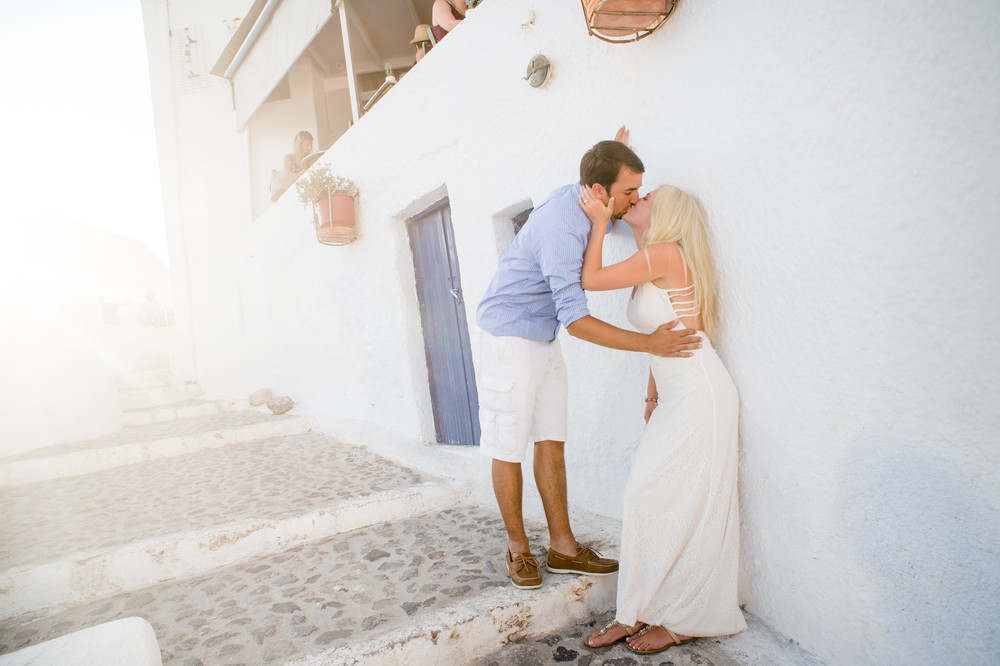 FLYTOGRAPHER Vacation Photographer in Santorinihttp://www.flytographer.com/blog/double-surprise-santorini-proposal-santorini-vacation-photographer