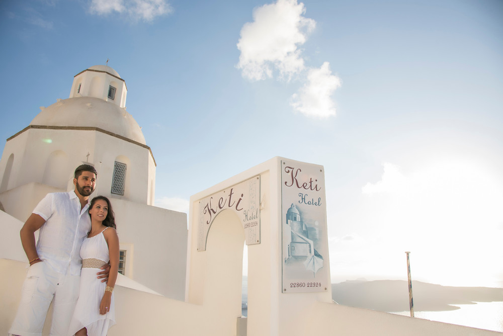FLYTOGRAPHER Vacation Photographer in Santorini - Ioannis