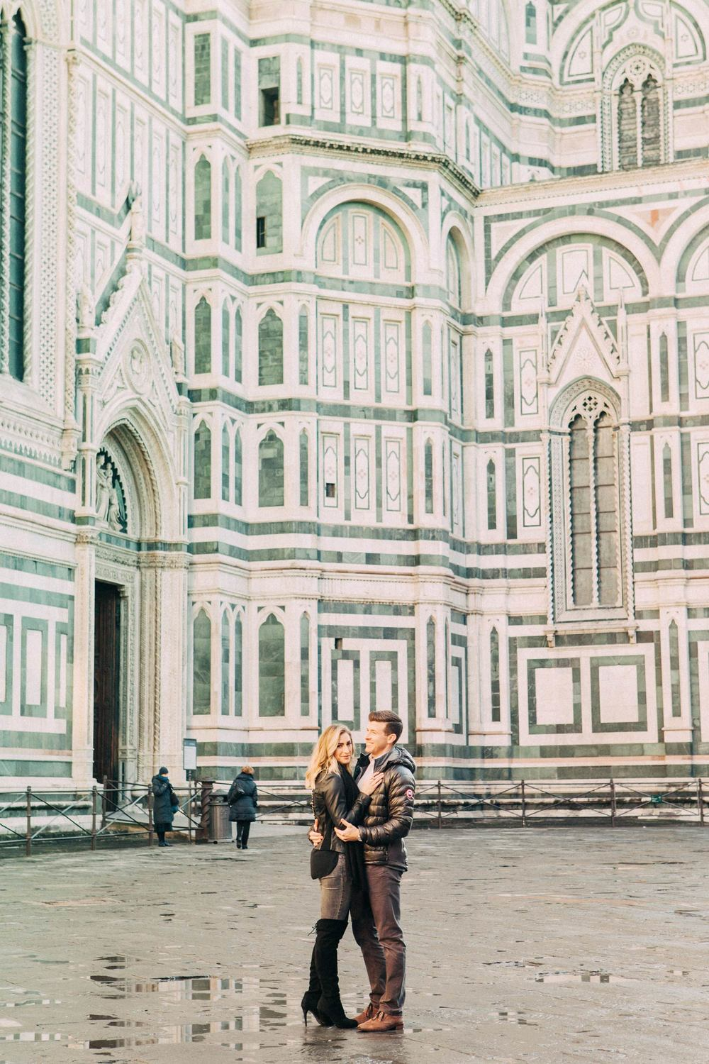 flytographer-florence-couple-vacation-photographer