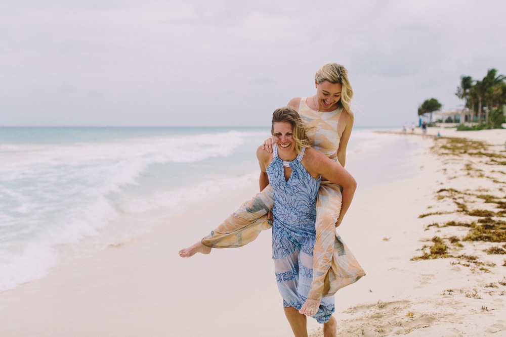 Best Friends Getaway to Cancun | Cancun Vacation Photographer