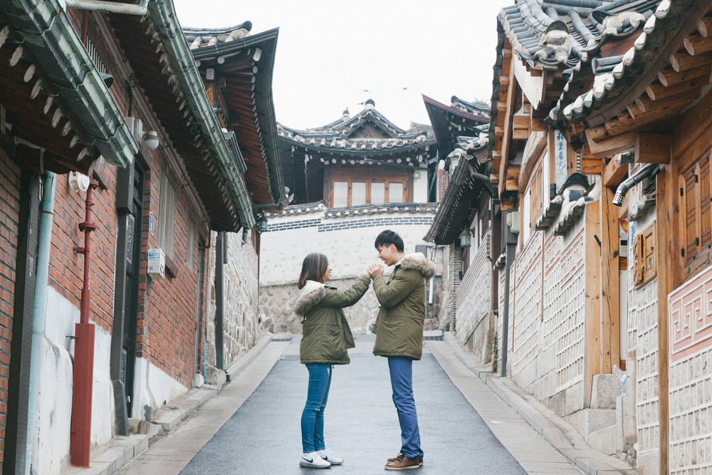 Location: Samcheongdong/Bukchon Hanok Village, Flytographer: Robert in Seoul