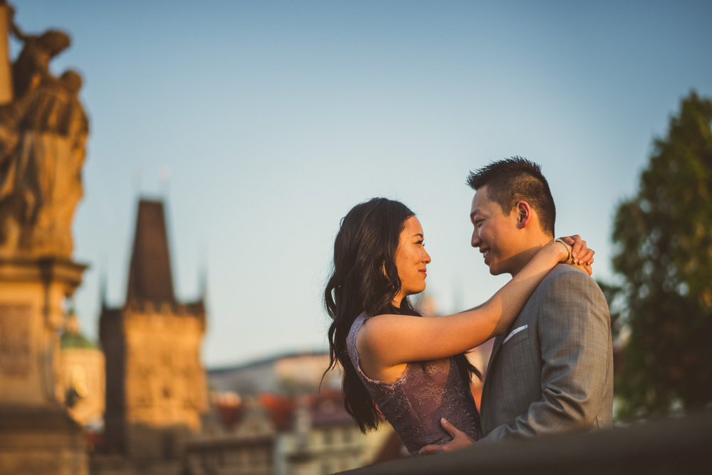flytographer-prague-engagement
