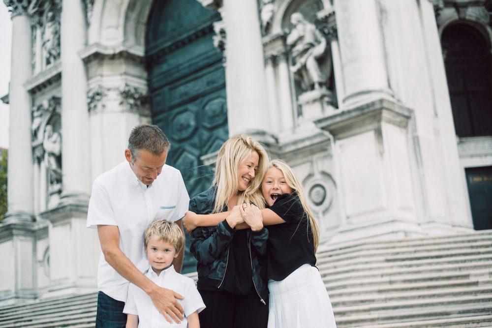 flytographer-travel-europe-family-kids