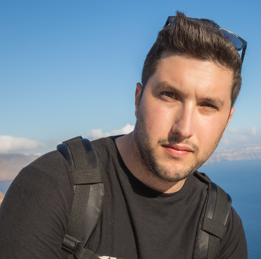 Your Vacation Photographer in Santorini: Meet Kimonas