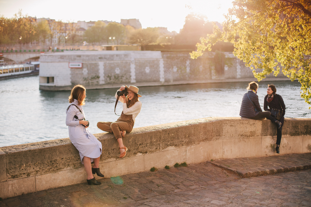Flytographer.Girlfriends.Travel.Paris.Photographer