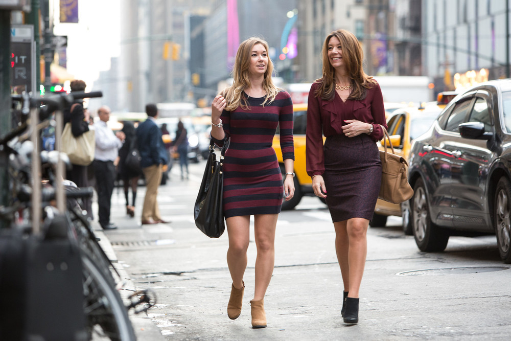 Flytographer: Johnny in NYC (Blog post here) This chic mother & daughter duo kept the season (autumn) and the city in mind when choosing complementary outfits.