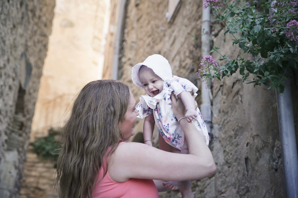 Provence mother-daughter vacation photographer