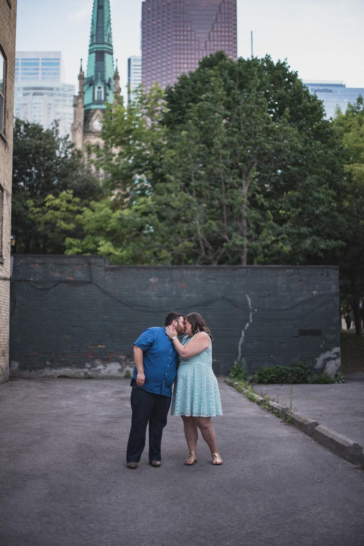 FLYTOGRAPHER Vacation Photographer in Toronto - Kimon
