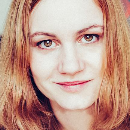 Your Vacation Photographer in Zürich: Meet Veronika