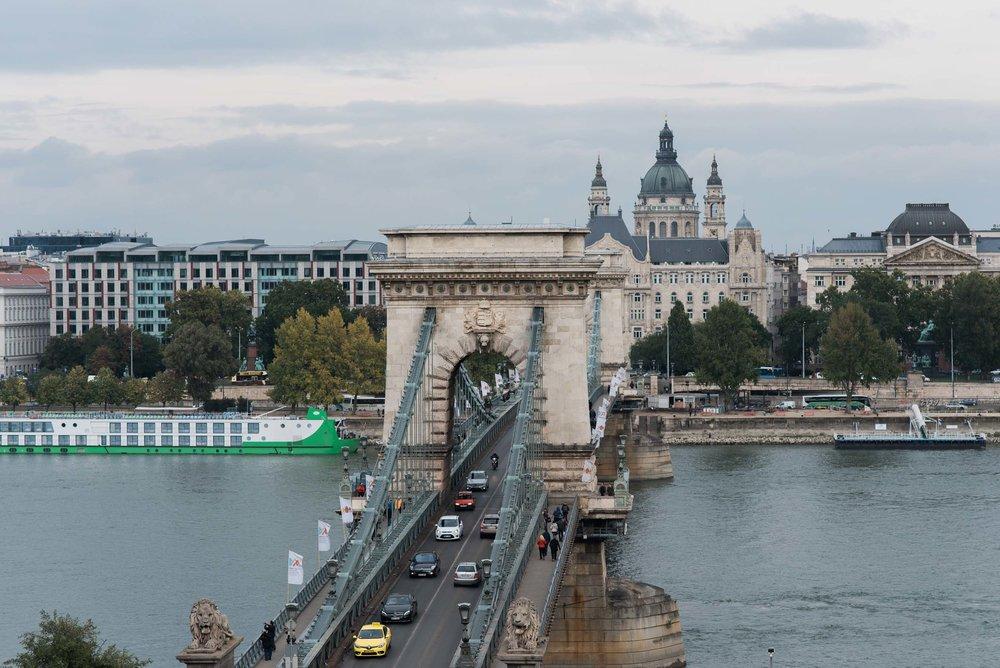 Flytographer: Dana in Budapest