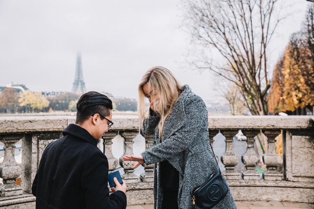 paris surprise proposal photographer flytographer