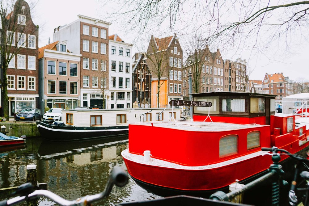 Nadine-Amsterdam-vacation-photographer