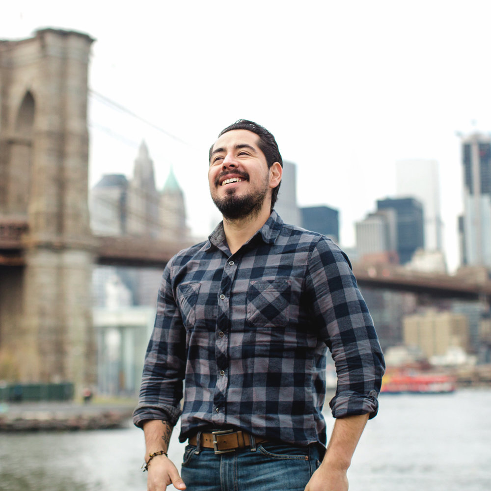 FLYTOGRAPHER | Your Vacation Photographer in NYC: Meet Armando